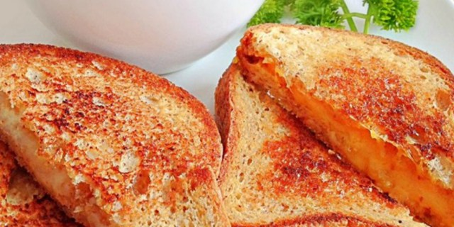 "<a href=""http://allrecipes.com/recipe/23891/grilled-cheese-sandwich/?internalSource=hub%20recipe&referringId=15096&referringContentType=recipe%20hub&clickId=cardslot%2026"">allrecipes.com</a>"