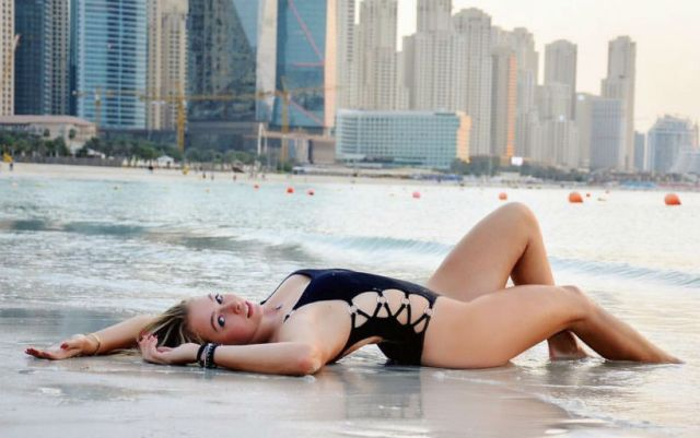 Fanny Stollar published pictures from the beach (PHOTOS)