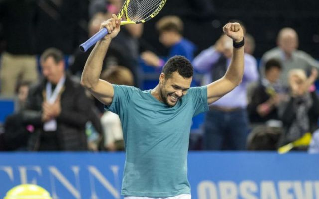 Jo-Wilfried Tsonga went to the second round of the tournament in Rotterdam