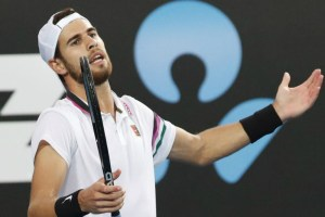 Karen Khachanov complained about damaged luggage at the airport (PHOTOS)