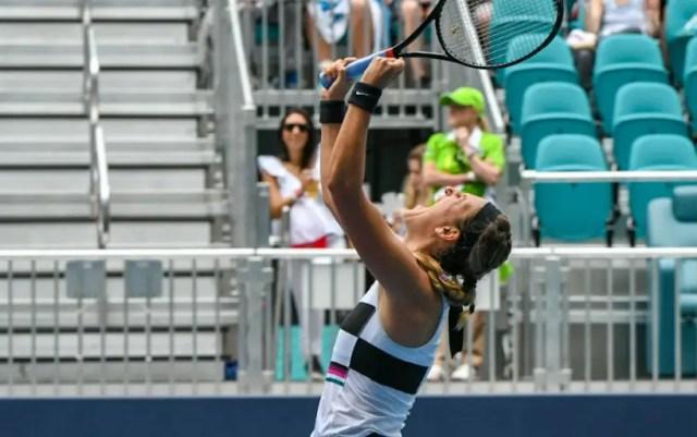 Miami Victoria Azarenka took over Dominika Cibulkova