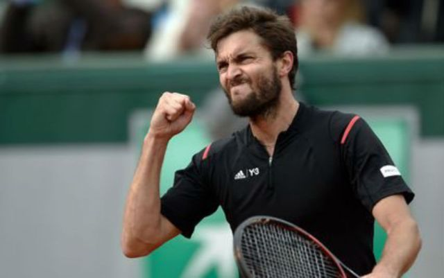 Gilles Simon continues performance at the Rolex Monte-Carlo Masters tournament