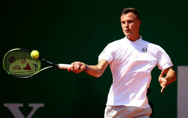 Marton Fucsovics successfully started in Barcelona