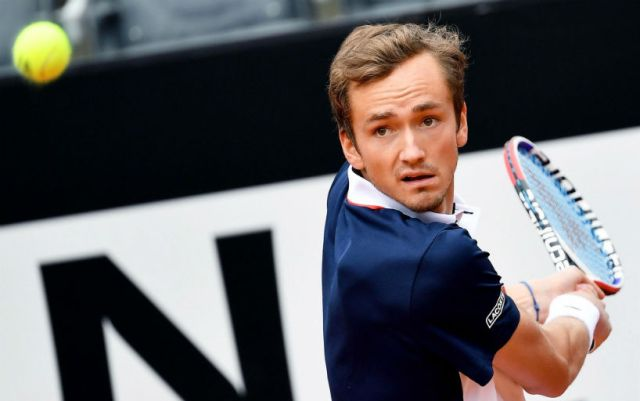 """Daniel Medvedev lost at the start of the """"Roland Garros"""", leading 2-0 in sets"""
