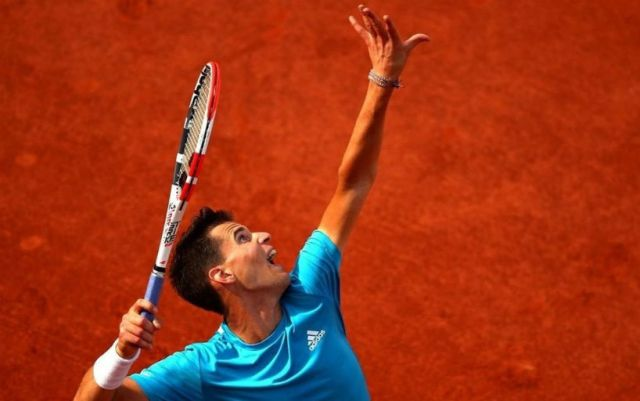 Dominic Thiem enters the third round of Roland Garros.