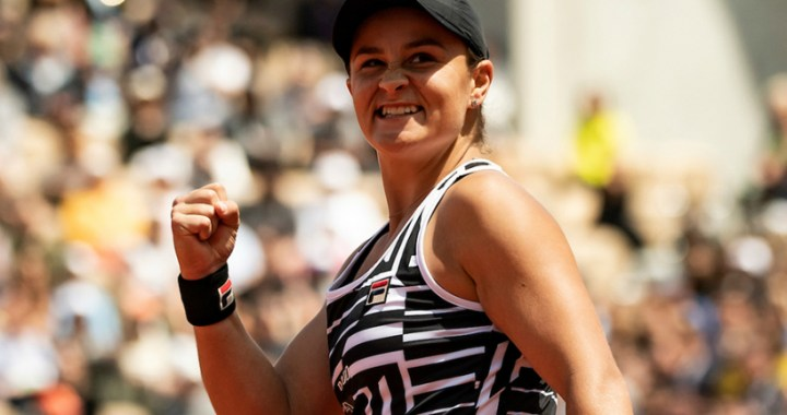 Ashleigh Barty becomes the first finalist in Birmingham
