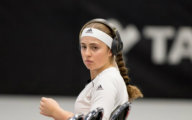 Jelena Ostapenko read rap in social advertising