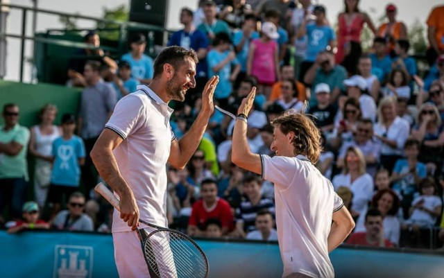 Marin Cilic played tennis with Luka Modric as part of a charity event
