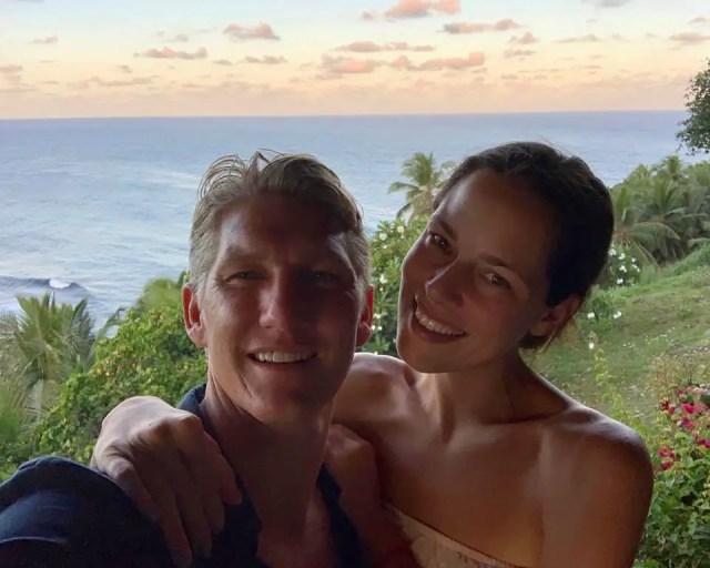 Ana-Ivanovich-and-Bastian-Schweinsteiger-on-vacation.
