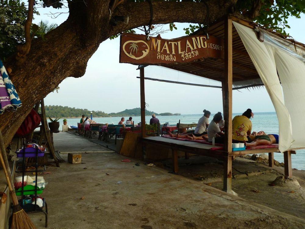 tennis-tourist-Matlang-Resort-Koh-Samui-Thailand-teri-church