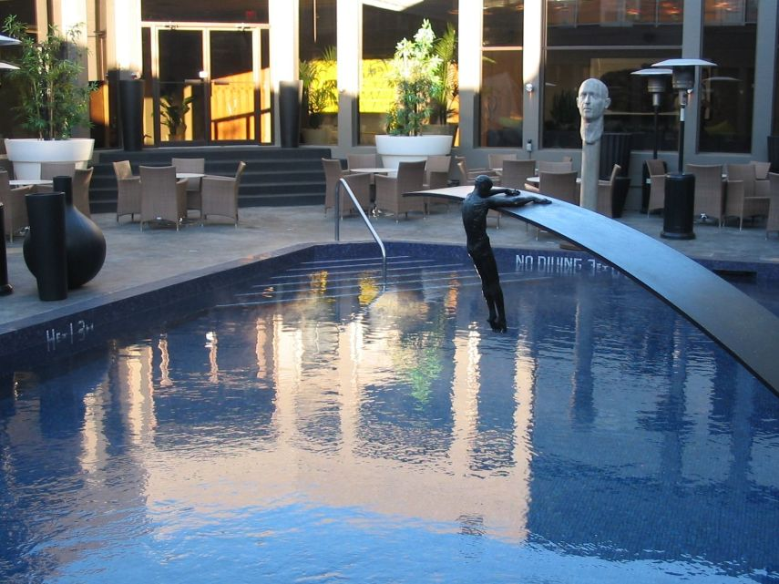 tennis-tourist-Hotel-Arts-Calgary-courtesy-Hotel-Arts-Group-Poolside-Sculptures