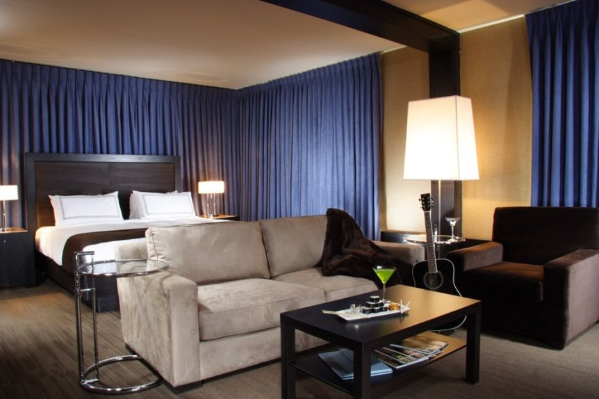 tennis-tourist-Hotel-Arts-Calgary-courtesy-Hotel-Arts-Group-Rockstar-Suite