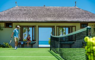 tennis-tourist-courtesy-kuda-huraa-maldives-four-seasons-tennis-courts
