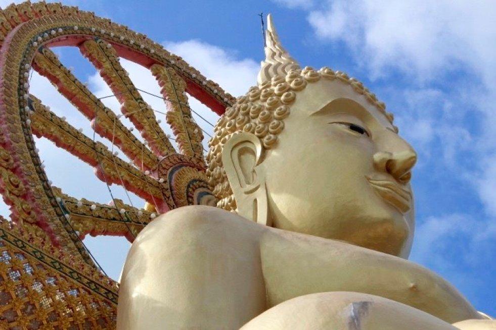 tennis-tourist-koh-samui-thailand-big-buddha-teri-church