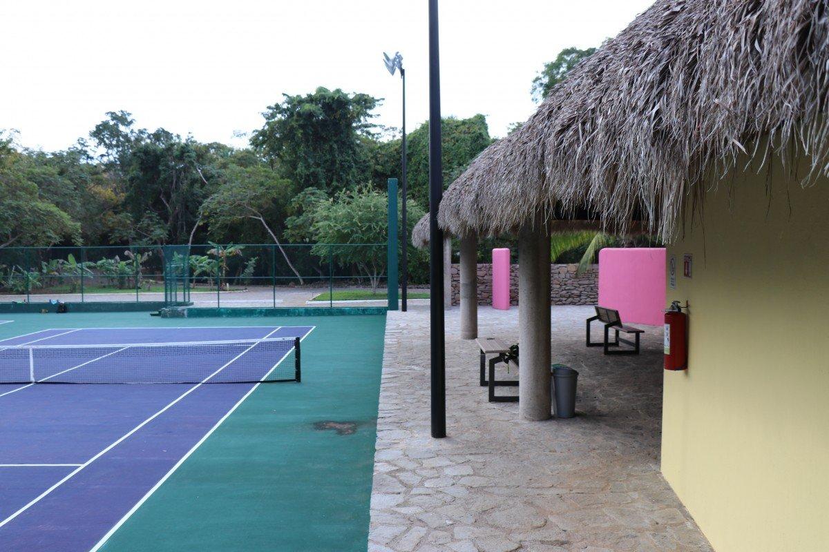 tennis-tourist-chacala-mexico-tennis-court-teri-church