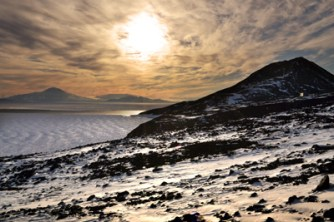 Night sun over McMurdo Sound (Jan 2013)