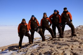 Team photo, with ice sheet plateau in far background (Nov 2011)