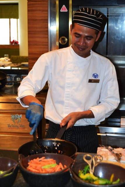 Flavors on Two Friday Brunch Towers Rotana Sheikh Zayed Road Dubai Review International Buffet with drinks (15)