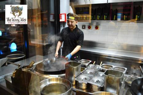 Prax's Dubai Jumeirah Beach Road review by The Tezzy Files Dubai food blogger lifestyle blog (1)