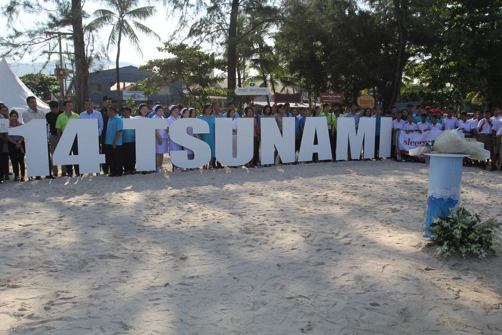 Tsunami remembrance ceremony held on Patong Beach | The Thaiger