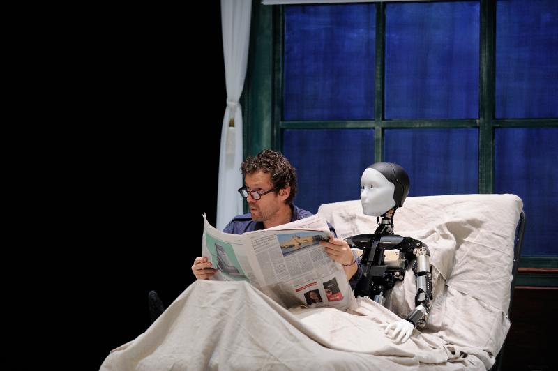 The Gaze Of The Robot: Oriza Hirata's Robot Theatre