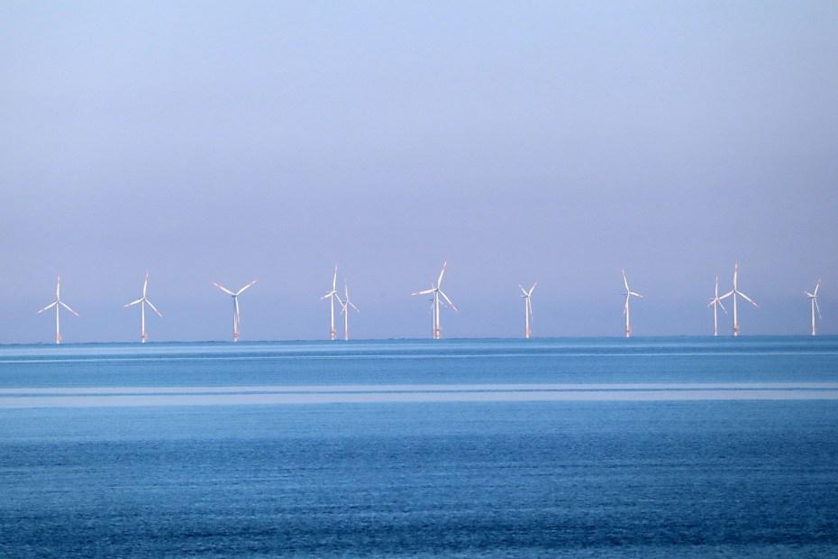 pros and cons of offshore wind farms