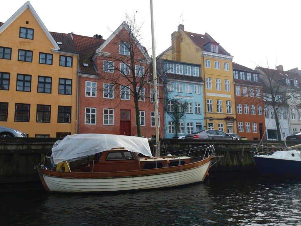 Colourful houses along Christianshavn canal