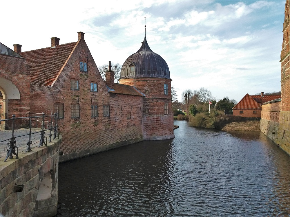 Frederiksborg Castle Gatehouse Bridge