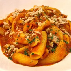 Rigatoni with tuna in a spicy tomato sauce and parsley