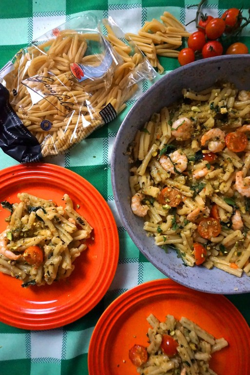 Courgette pasta salad with prawns and tomatoes using Garofalo pasta