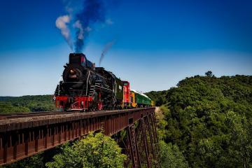 train 1728537 1280
