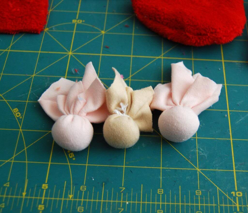 Make the heads from knit flesh-colored scraps.