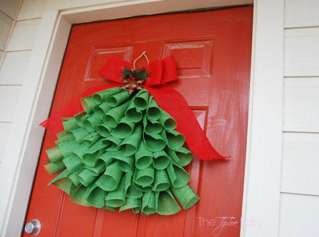 Diy Burlap Christmas Tree Wall Hanging The Tiptoe Fairy