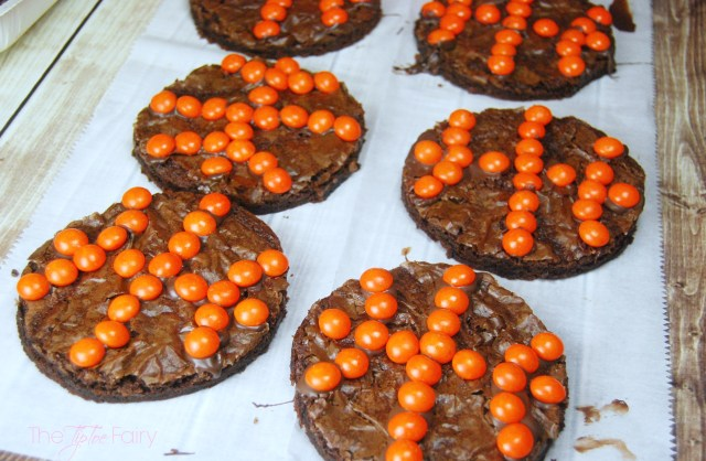 Basketball Brownie Cookies with Skittles - Dunk the Rainbow, Taste the Rainbow #SkittlesTourney #ad| The TipToe Fairy