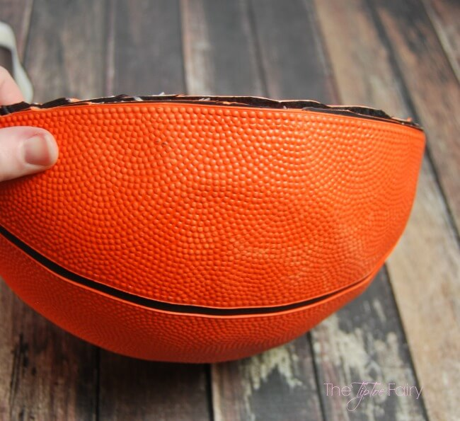 Make a DIY Basketball Bowl and fill it with Homemade Cheez-It Bacon Snack Mix for a fun game time snack! #BigGameSnacks #CRUNCHD #Ad @Walmart   The TipToe Fairy