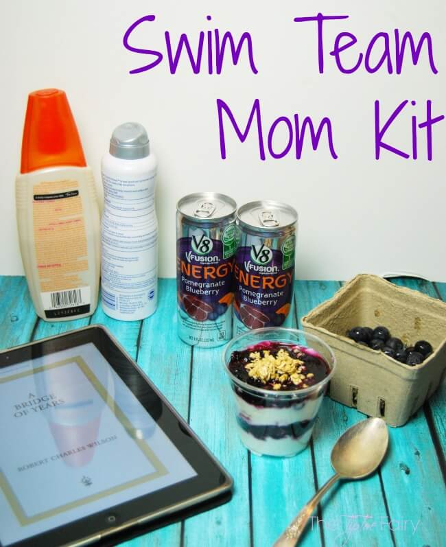 Make an Energizing DIY Sports Mom Kit to bring with you when your kids are at sports practice! #ad #V8EnergyBoost | The TipToe Fairy