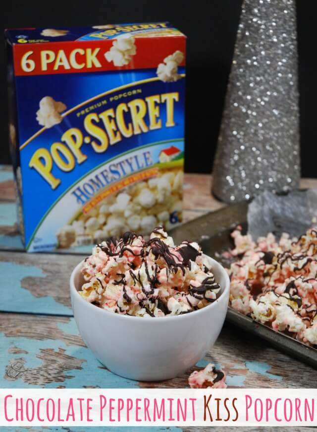 Chocolate Peppermint Kiss Popcorn - an easy holiday snack or treat! #ad #FunSideOut | The TipToe Fairy