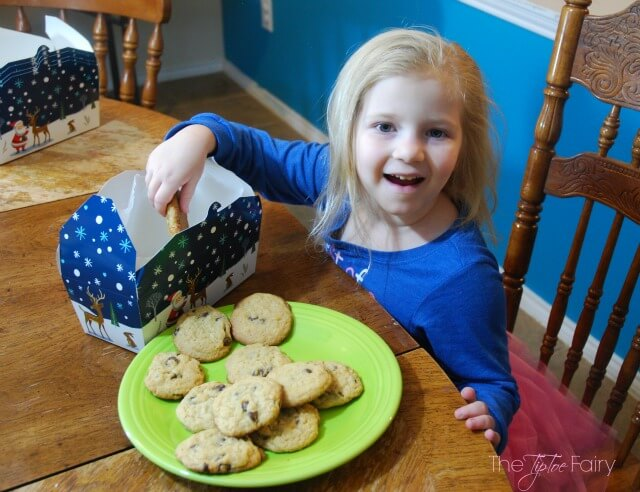 #SpreadCheer with Easy Holiday Treats w @BettyCrocker! #ad https://ooh.li/c6335e1 #cookies #christmas