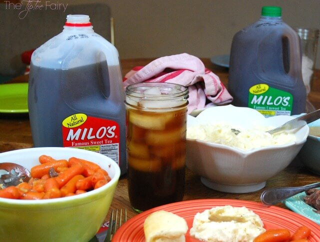 Milo's Famous Sweet Tea is the perfect drink for #holiday parties! #ad #DrinkMilos | The TipToe Fairy