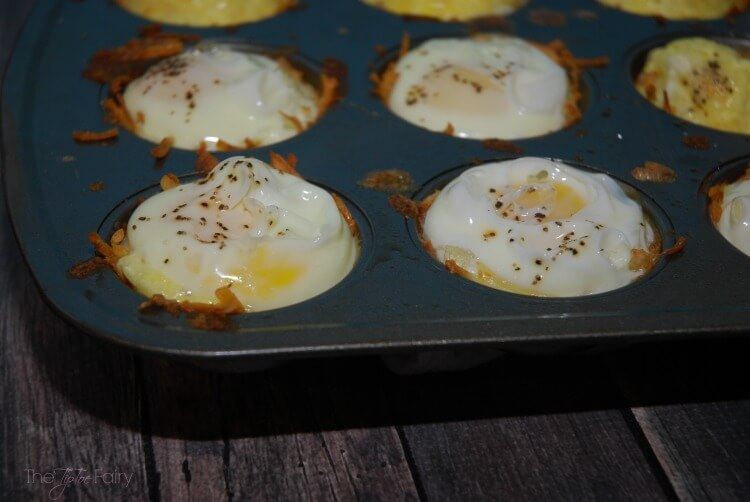 Hashbrown Egg Nests - an easy #breakfast w/ #SundaySupper #food #foodporn
