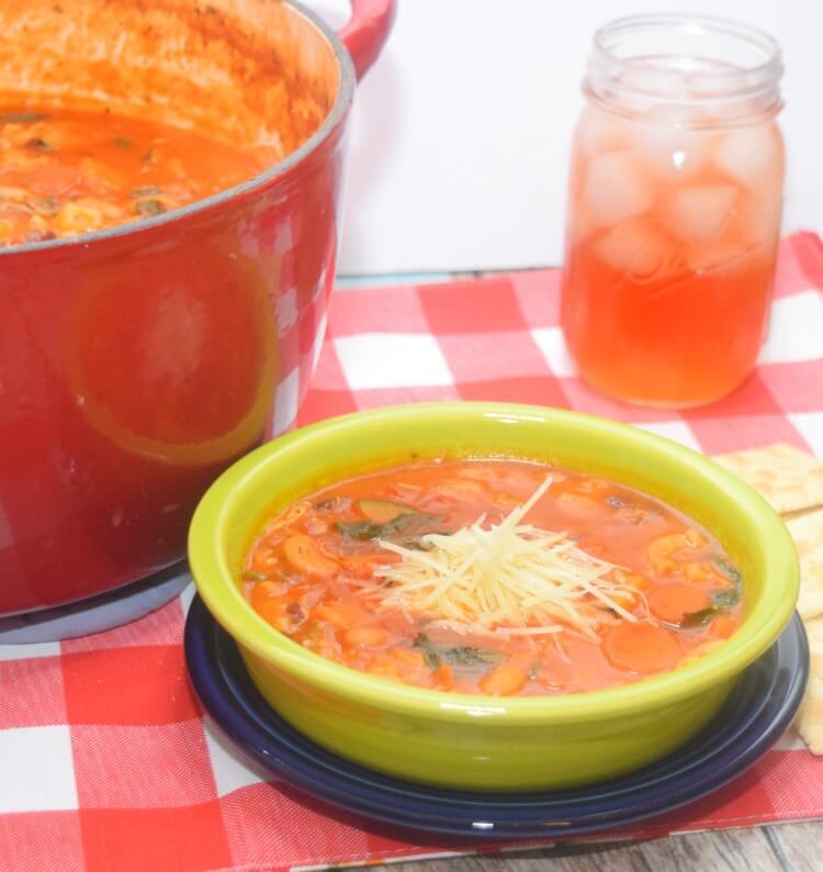 Make this easy Chicken Minestrone Soup & Strawberry Lemonade Tea! #CampbellsShortcutMeals #ad @Walmart