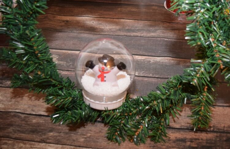 Make a Christmas Snow Globe Wreath with @DollarTree supplies & it lights up! #ad #DollarTree