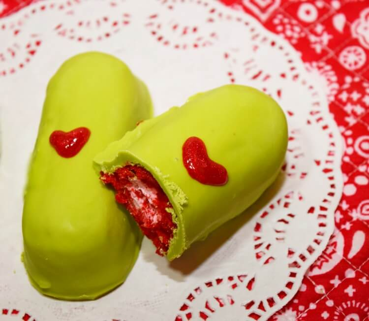 See how to easily make some Grinch Twinkies with red Peppermint Twinkies!