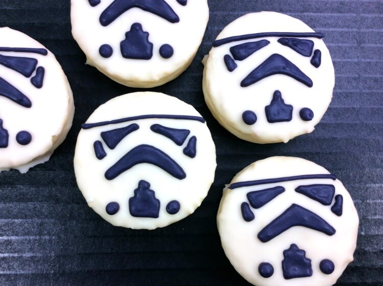#StarWars The Last Jedi Stormtroopers treats out of Ding Dongs! #movie #thelastjedi