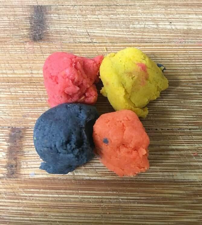 Make swirls of multicolor cake balls.
