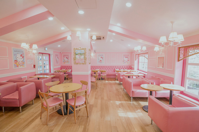 5 Brand Cafes in Seoul - Hello Kitty Cafe