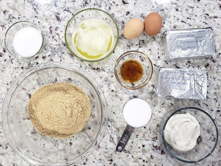 Ingredients for mini cheesecakes.