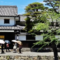White walls and black roofs of old Kurashiki 倉敷市の観光