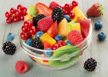 Powerful cancer-fighting fruit bowl