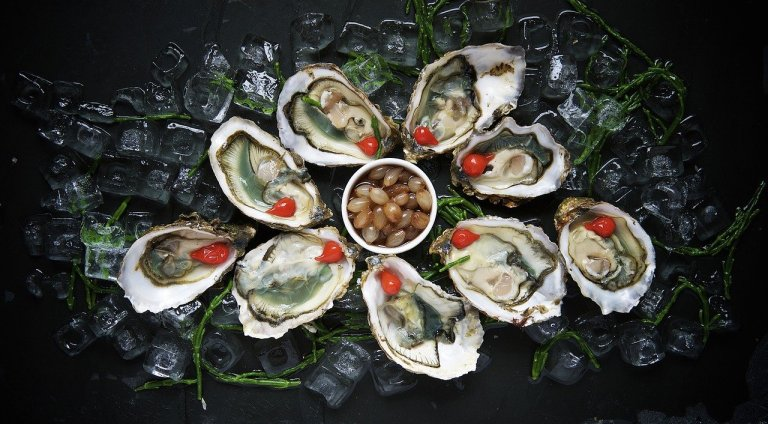 foods that lower testosterone, foods that increase testosterone, oysters and testosterone